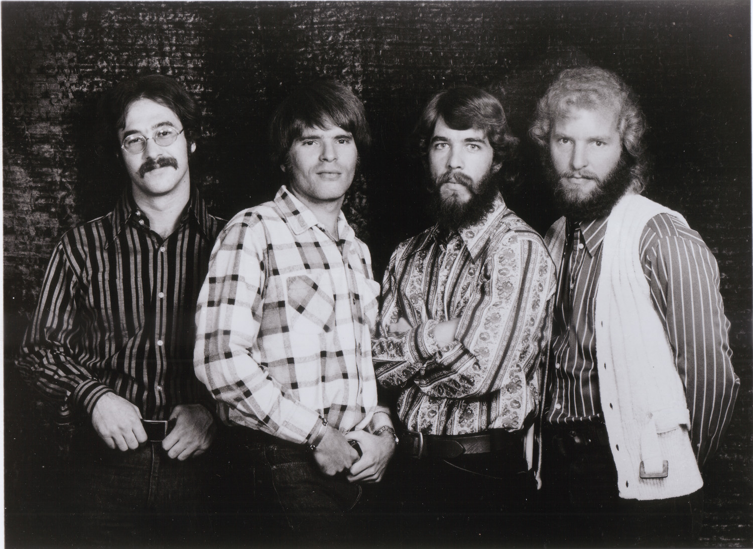 http://www.espalhafactos.com/wp-content/uploads/2012/04/creedence_clearwater_revival_704382_35922.jpg