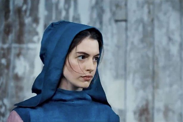 Anne+Hathaway+in+Les+Miserables+2012