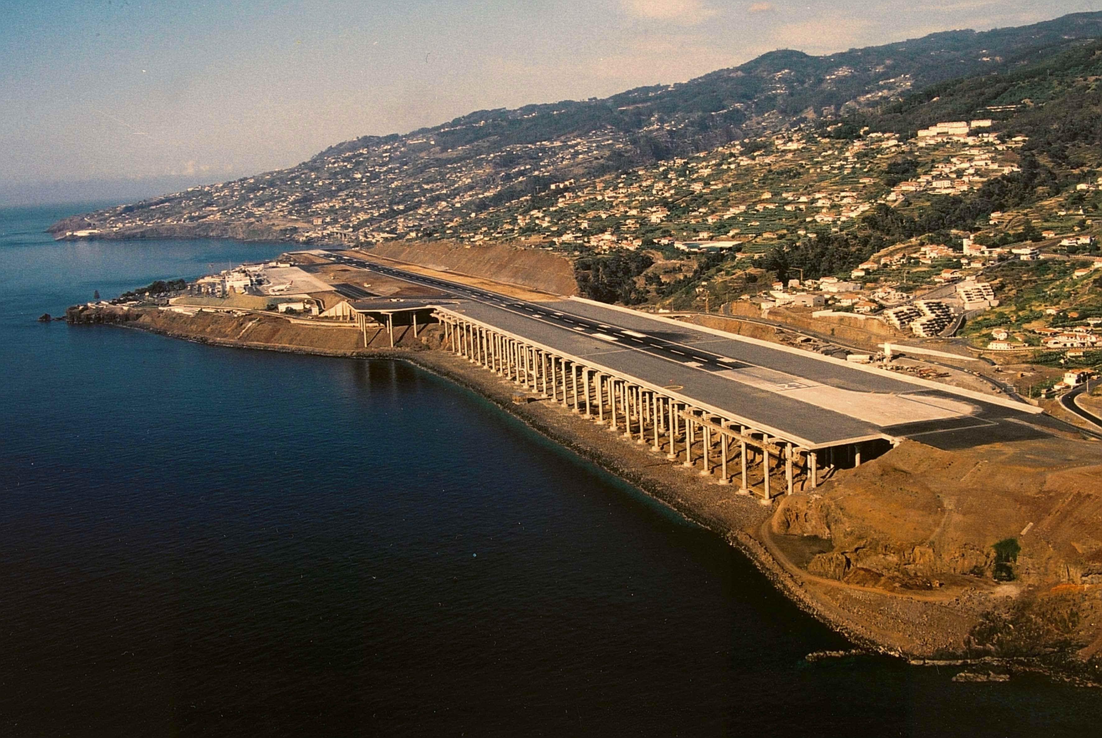 """Aeroporto Madeira : Aeroporto da madeira considerado um dos """"mais assustadores"""
