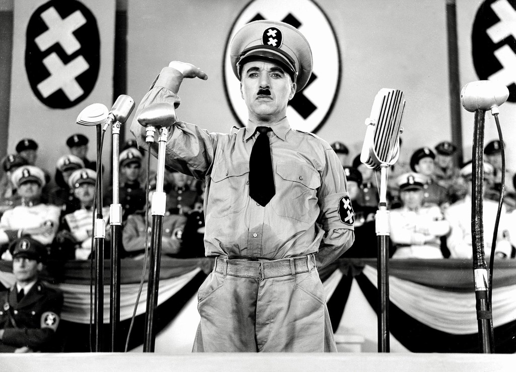 still-of-charles-chaplin-in-the-great-dictator-(1940)-large-picture